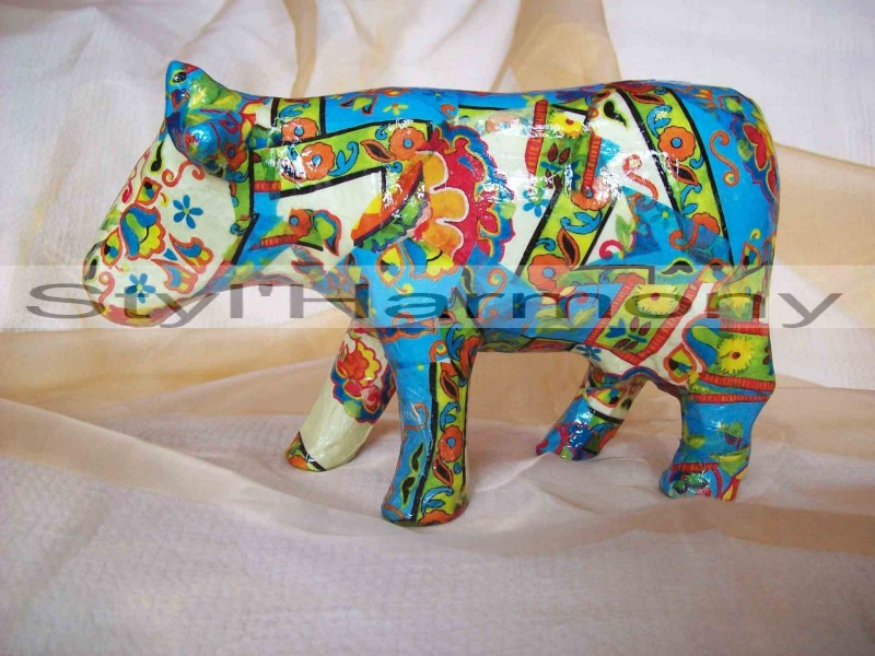 statuette-figurine-sculpture-bibelot-vache-animal-papier-mache-artisanal