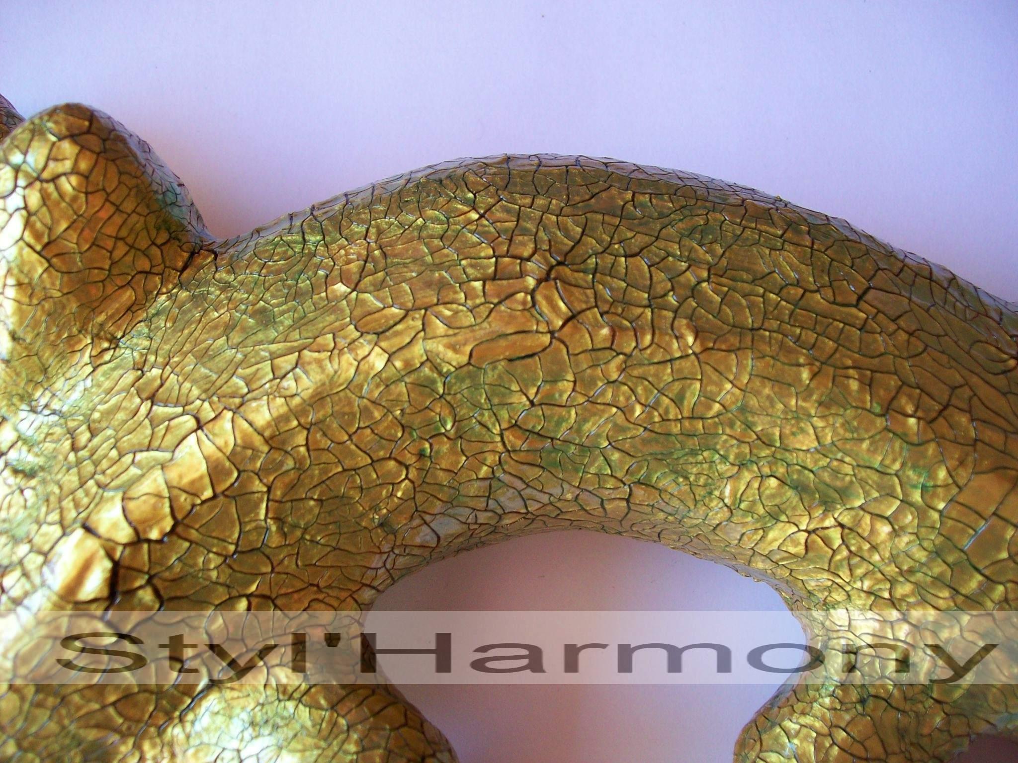 gecko-vert-dore-relief-effet-peau-croco-papier-mache-decoration-decoratif-2