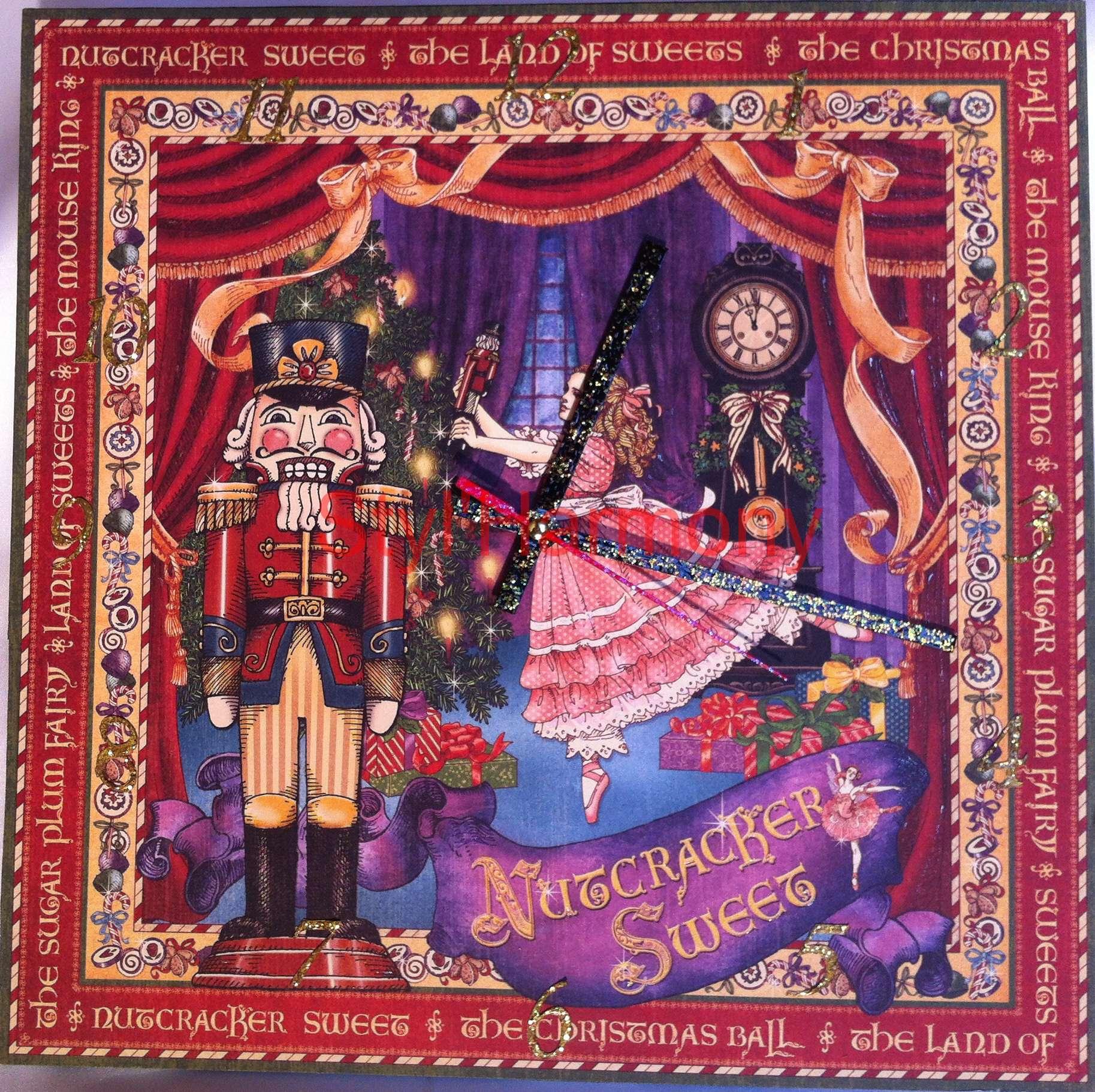 horloge-noel-christmas-nutcracker-rouge-carree-carre-
