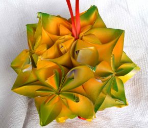 How to make Christmas ornament with paper. 1