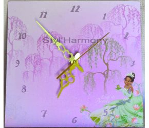 A beautiful Clock for a very Girly Room Decor 1