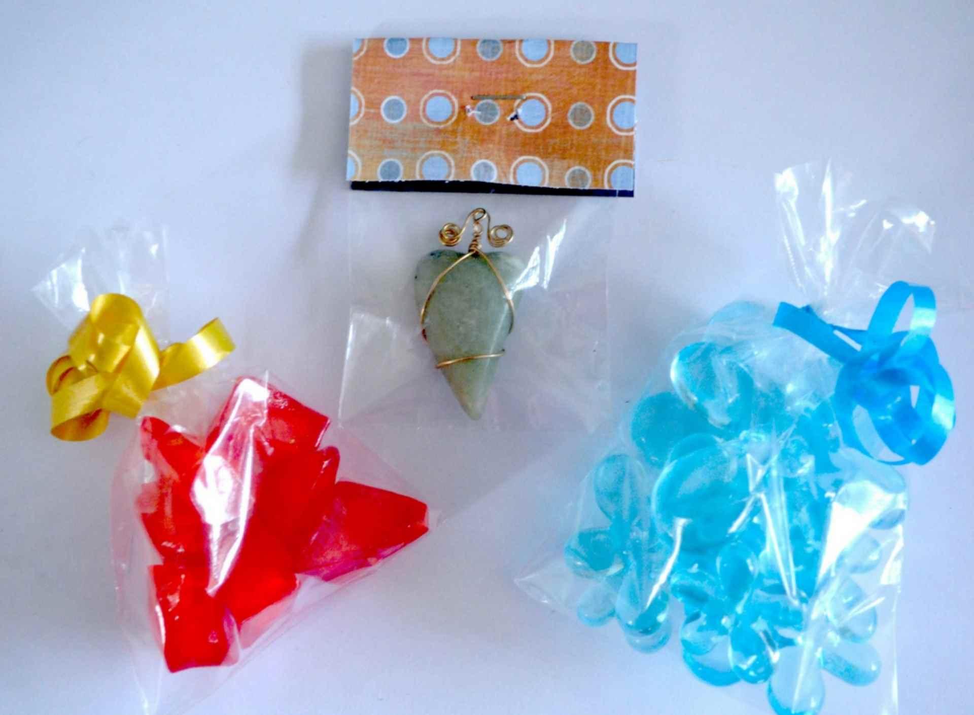 Faites vos propres sachets et pochettes plastiques avec très peu de matériel. 1